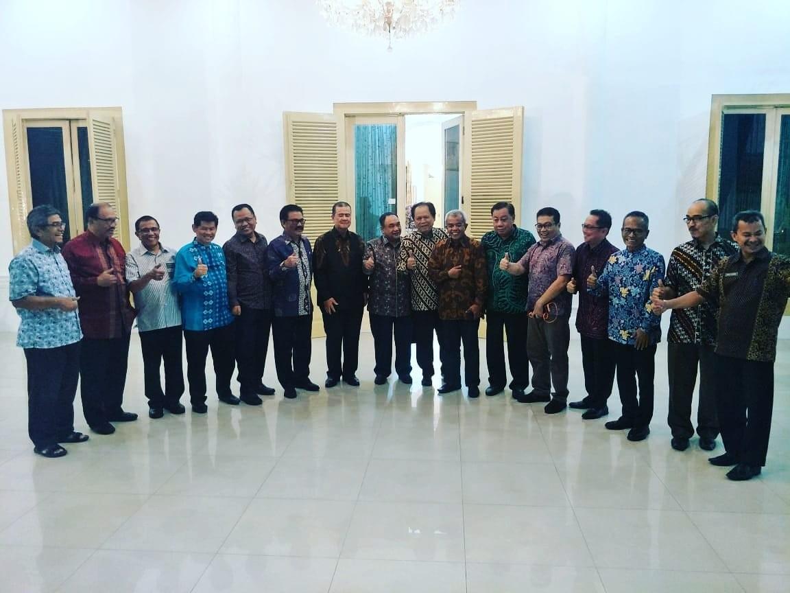 Wagub Nasrul Abit; Kita Bangga Gubernur Irwan Prayitno Dianugrahi Pena Emas PWI